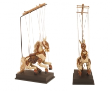 horse puppet stand11015