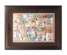 Currency frame10614